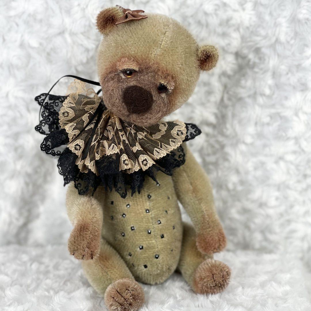Cocoa Artist Bear-min