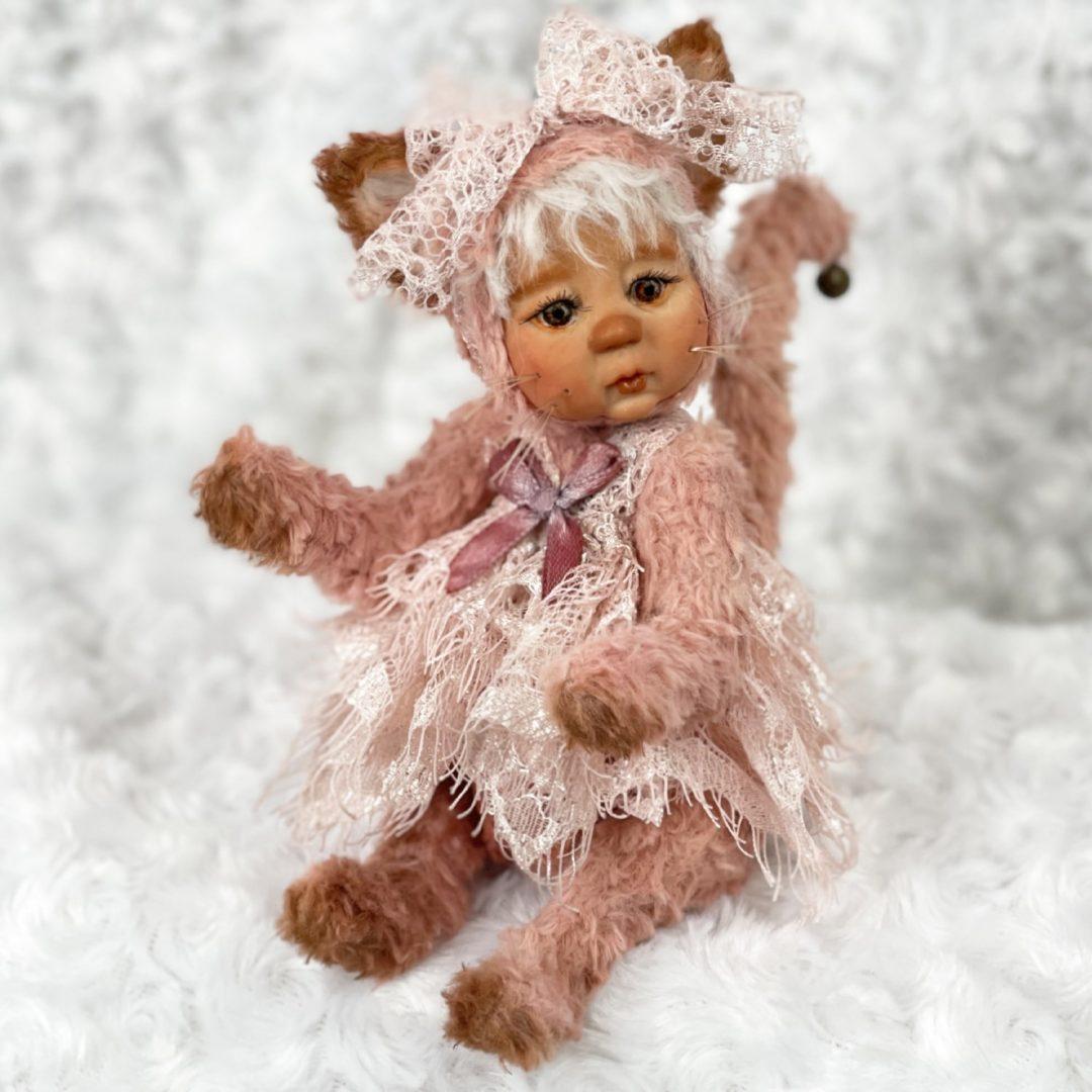 Little Kitty Artist Doll Teddy-min